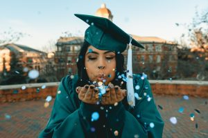 3 Top Tips to Have a Memorable Graduation Party